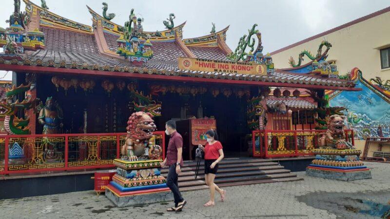 Rayakan Imlek secara Sederhana, Ini Doa Warga Tionghoa di Madiun