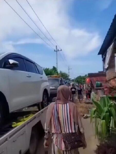 Kaya Mendadak, Warga Tuban Borong Mobil Baru