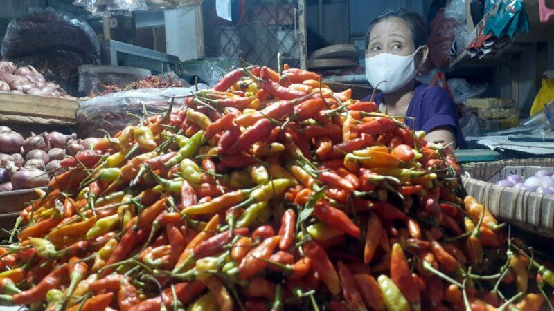 Di Madiun, Harga 1 Kg Cabai Setara 3 Kg Daging Ayam