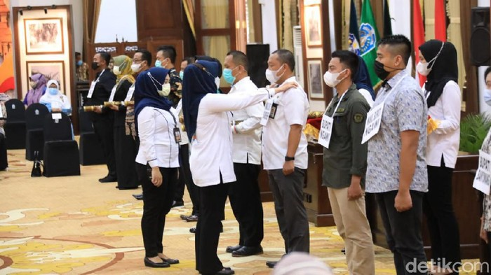 Hari Ini Gubernur Jatim Lantik 17 Kepala Daerah di Grahadi secara Hybrid