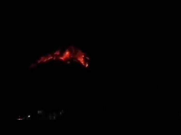 Hoaks! Video Gunung Raung Muntahkan Lahar