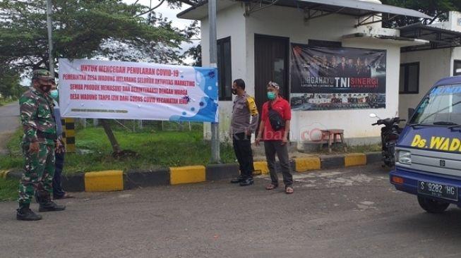 Kewalahan Hadapi Serbuan Sales, Pemuda Kampung Miliarder Tuban Patroli