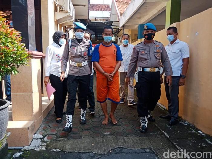 Cabuli 6 Santriwati, Pengasuh Ponpes di Jombang Dibekuk Polisi
