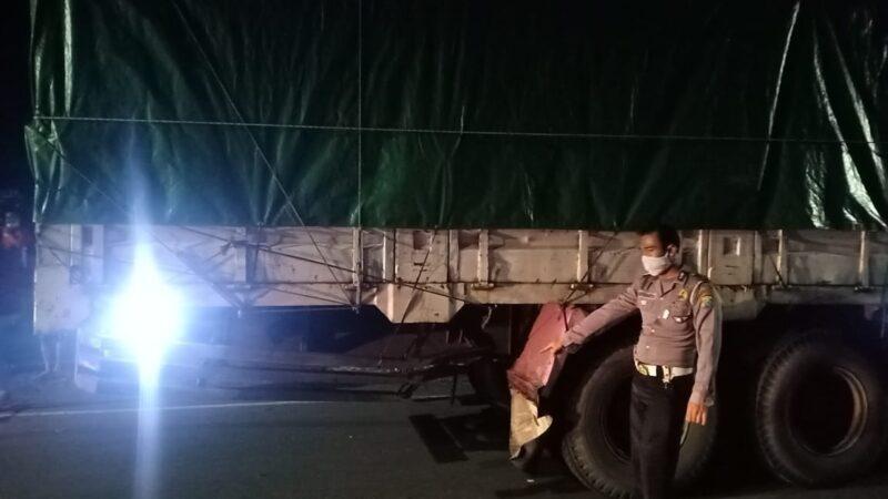 Tabrak Truk Tronton di Ring Road Madiun, Pelajar Madiun Tewas