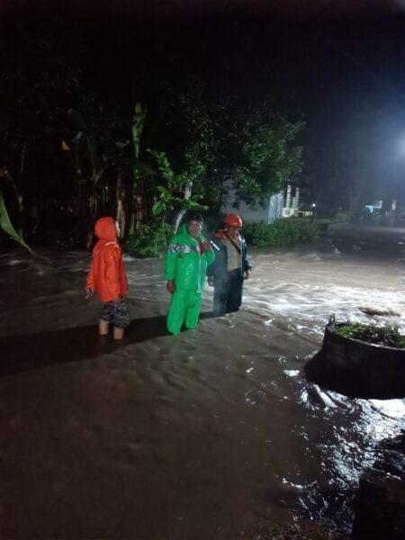 Saluran Air Tersumbat, Puluhan Rumah di Madiun Kebanjiran