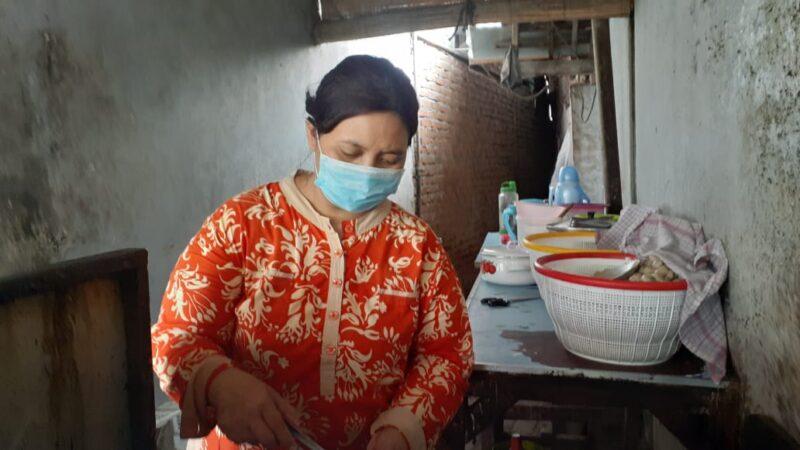 Kisah Yanti, Ibu Rumah Tangga di Madiun Sukses Jualan Pentol Goreng Pedas