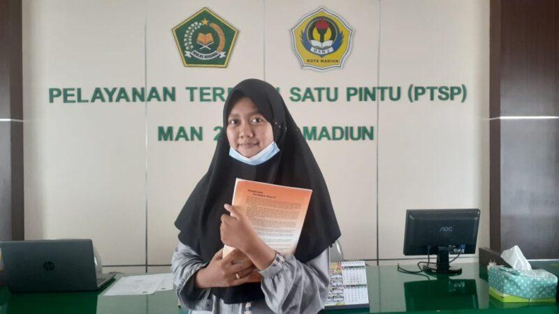 Lolos SNMPTN 2021 di Unair, Anak Petani di Madiun Ini Jadi Mahisiswi Termuda