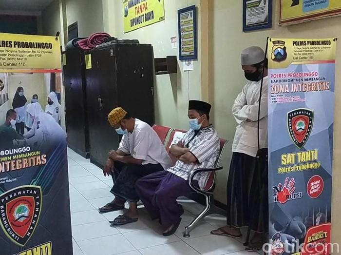 Ikut Ambil Paksa Jenazah Pasien Bergejala Covid-19, 4 Orang di Probolinggo Serahkan Diri