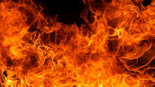 Polisi Selidiki Kasus Suami Istri Terbakar di Situbondo