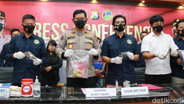 Sita 3 Pistol Rakitan, Polisi Bekuk Bandar Narkoba Asal Mojokerto