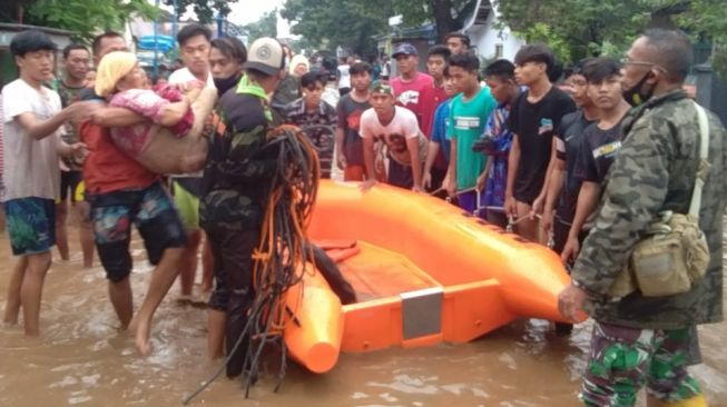 2.641 Jiwa Terdampak Banjir Dringu Probolinggo