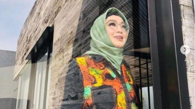 Innalillahi...Artis Top Era 90-an Rina Gunawan Meninggal Sesak Napas