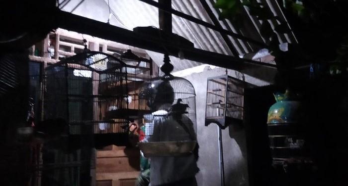Densus Temukan Senjata Laras Panjang di Rumah Terduga Teroris di Surabaya