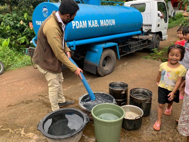 Pipa Saluran Air Diterjang Banjir, 1.100 Keluarga di Madiun Kesulitan Air Bersih
