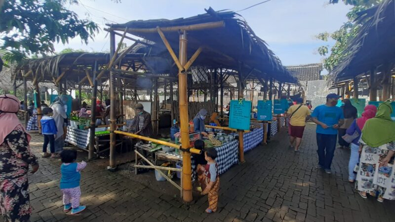 Selama Ramadan, Pasar Pundensari Buka Sore Hari