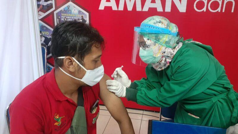 Pedagang Pasar di Madiun Mengaku Lega Setelah Disuntik Vaksin Covid-19