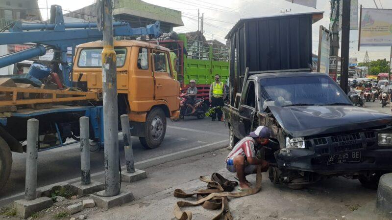 Kecelakaan Karambol di Perempatan Pasar Pagotan Madiun Libatkan 6 Kendaraan, 1 Orang Meninggal