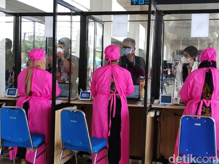 Mulai Terapkan GeNose C19, Bandara Juanda Tarik Layanan Rp40.000