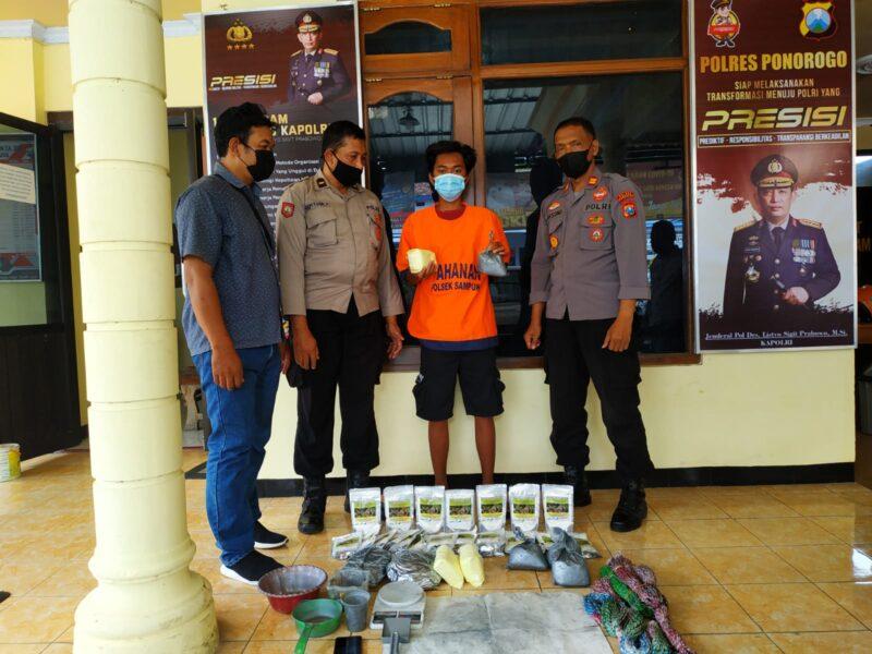 Jual Serbuk Petasan, Remaja Ponorogo Ditangkap Polisi