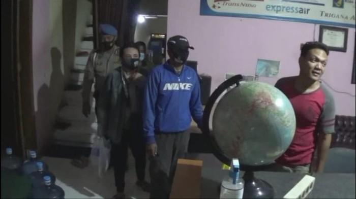 Polisi Sidoarjo Gelar Operasi Pekat, 7 PSK dan 2 Pasangan Mesum Diciduk