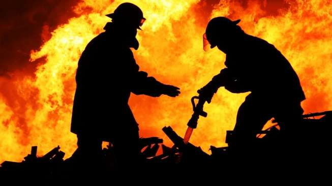 Diduga Korsleting, Mapolsek Puger Jember Terbakar