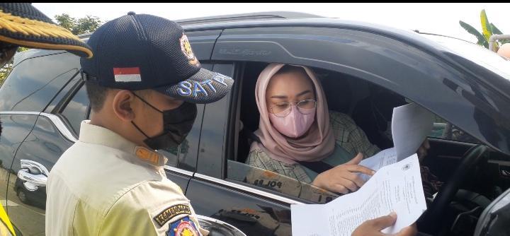 Tak Bisa Tunjukan Surat Bebas Covid-19, Rombongan Anggota DPRD Nganjuk Lolos Penyekatan di Tol Ngawi