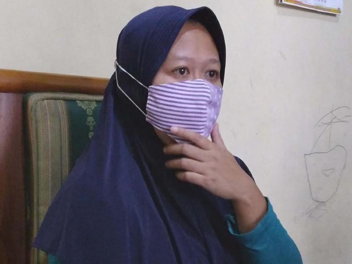 Guru di Malang Pinjam Online Rp2,5 Juta Membengkak Jadi Rp40 Juta, Begini Ceritanya