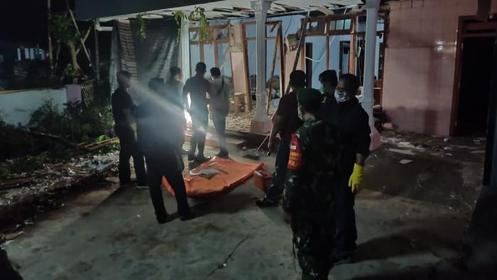 Pria di Kediri Tewas dalam Ledakan Petasan, Kondisinya Mengenaskan
