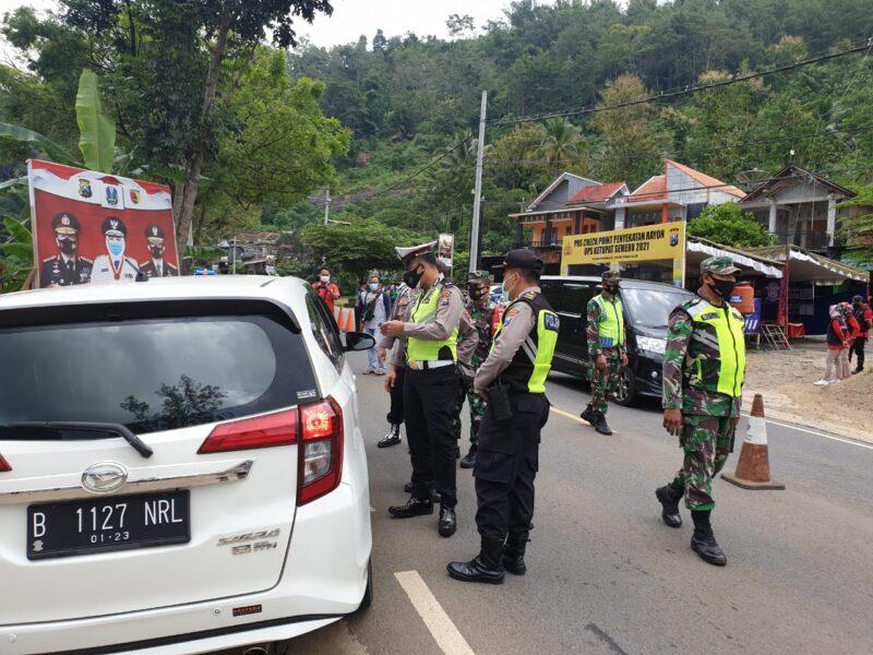 468 Kendaraan Dipaksa Putar Balik di Perbatasan Ponorogo