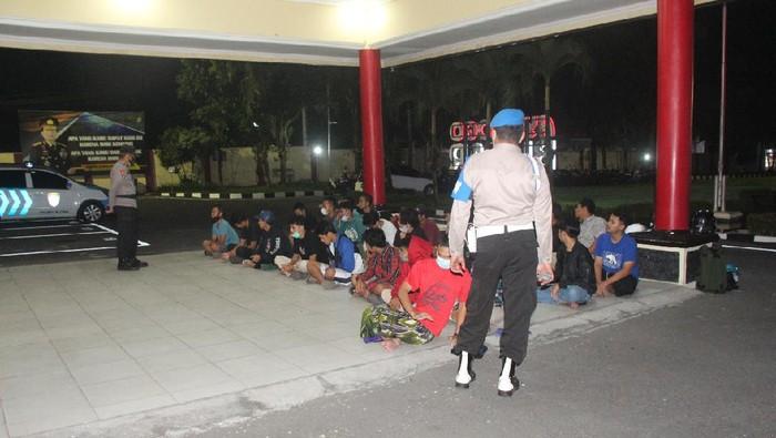 PSHW dan PSHT Bentrok di Blitar, Polisi Amankan Puluhan Pesilat