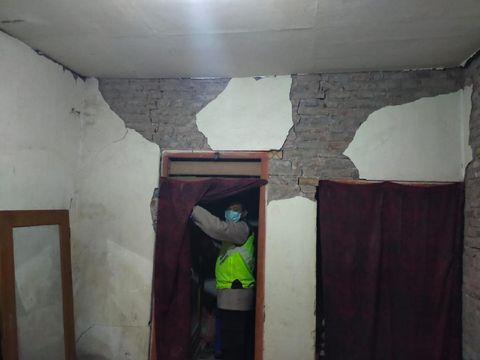 Guncangan Gempa M 5,9, 112 Bangunan Rusak dan 1 Warga Terluka di Blitar