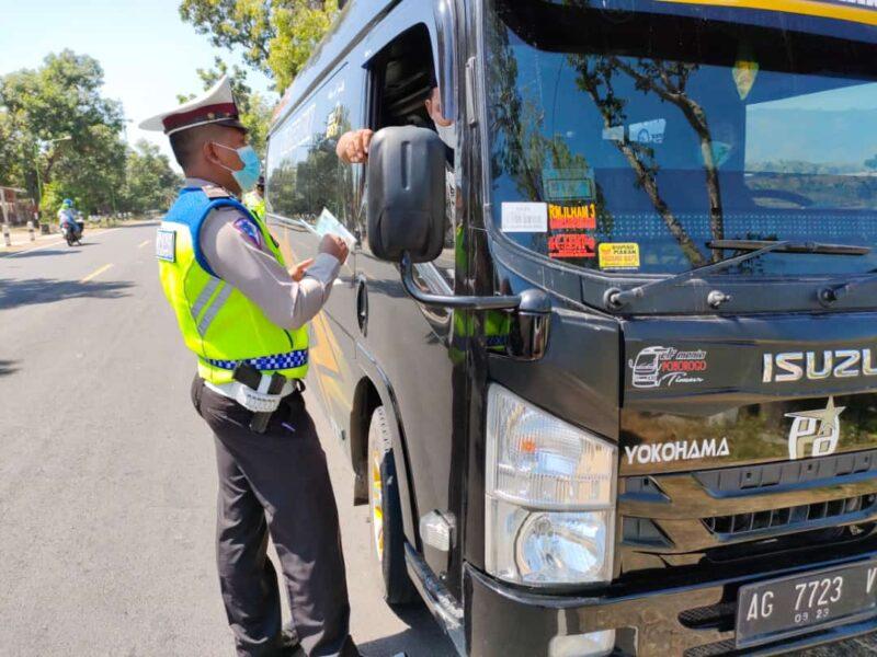 Tak Bawa Surat Bebas Covid-19, Travel Gelap Berpenumpang 9 Orang Diputar Balik di Ponorogo