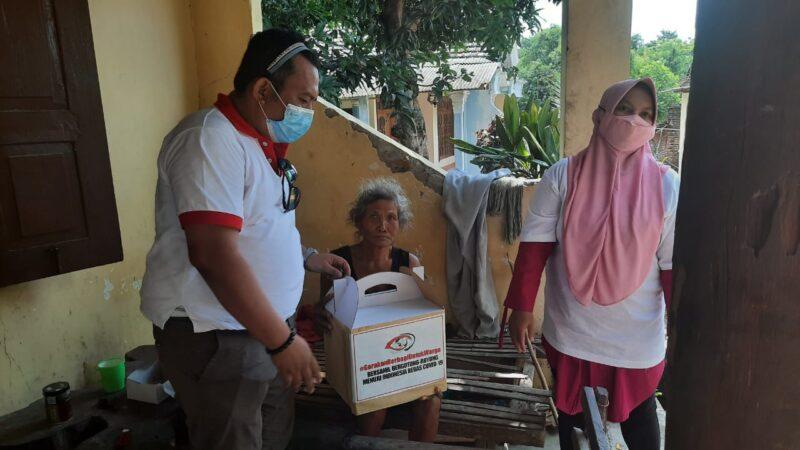 #GerakanBerbagiuntukWarga Beri Bantuan ke Warga Pedesaan di Madiun